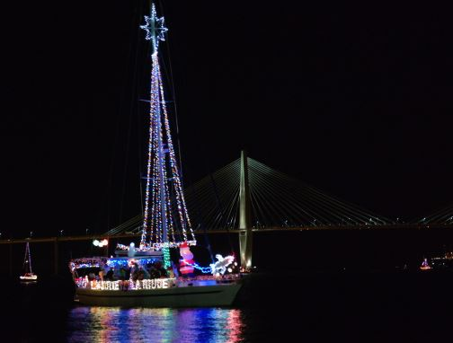charleston-parade-of-boats